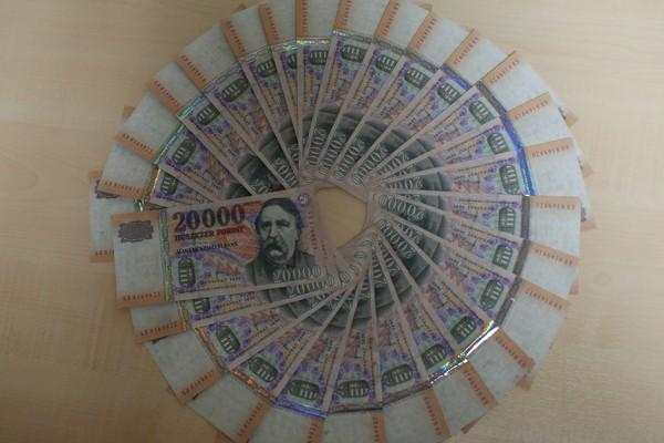 Hamis 20000 forintos bankjegyek kerülhettek forgalomba
